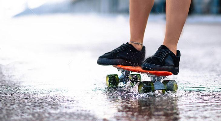 How To Do Skateboarding In The Rain – Tips & Tricks