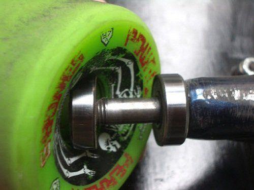 remove skateboard bearing