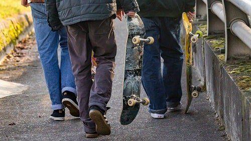 best skateboard width for beginners
