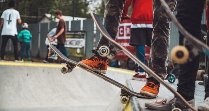 11+ Best Cheap Skateboards In 2021 (Top Budget Skateboard)
