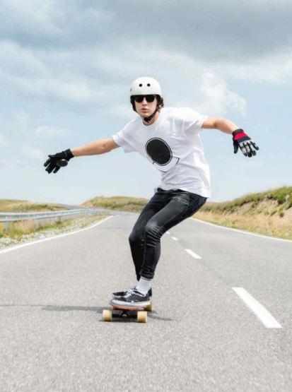 why don't skateboarders wear helmets