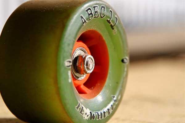 how to put bearings in skateboard wheels