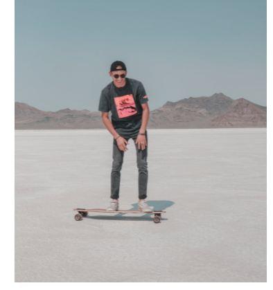 is a longboard a skateboard 1