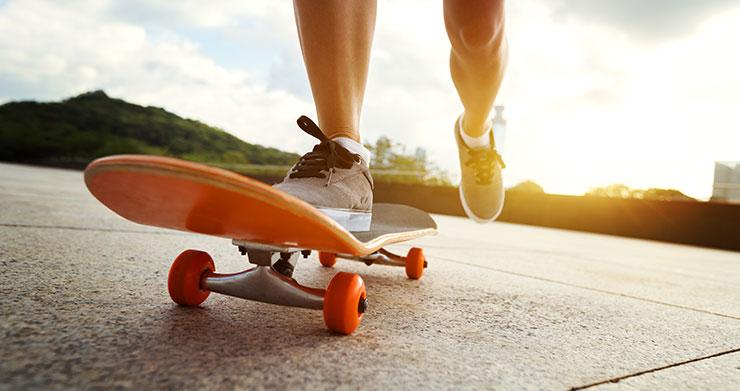 How Do You Turn On A Skateboard? 2 Beginner-Friendly Ways