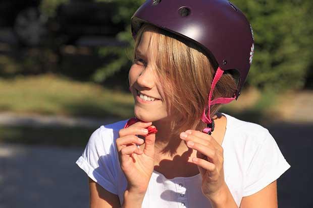 difference between bike helmet and skateboard helmet