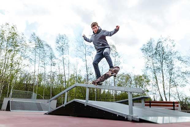 easy skateboard tricks to learn