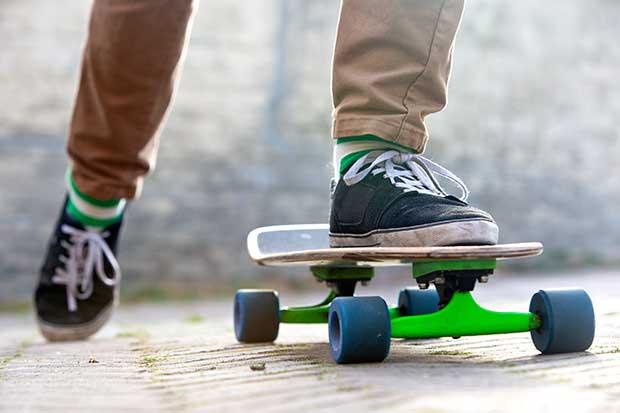 how hard is it to learn skateboarding