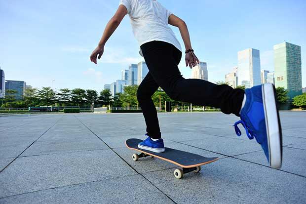 how many calories do you burn skateboarding