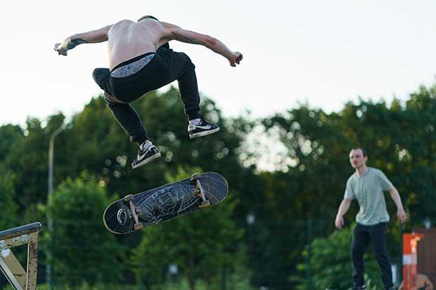 how to do a kick turn on a skateboard