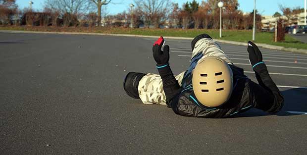 how to fall correctly on a skateboard