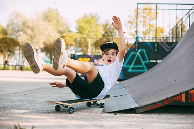 is it hard to learn to skateboard