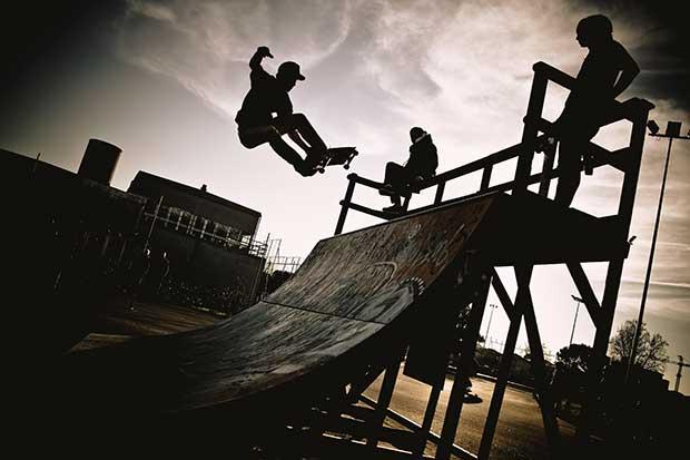 is it hard to ride a skateboard