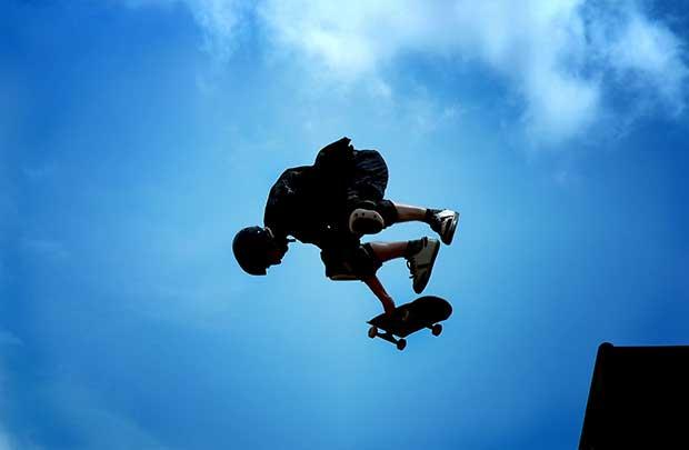 why do skaters not wear helmets