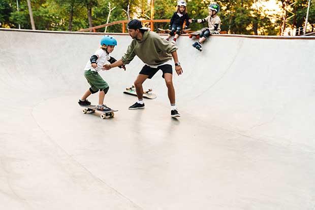 why skateboarders don't wear helmets