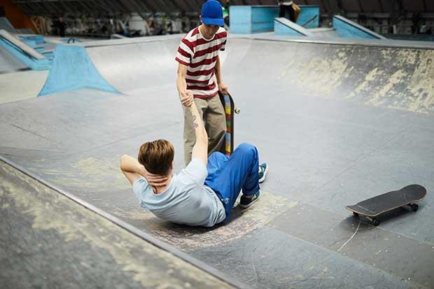10 easy skateboard tricks