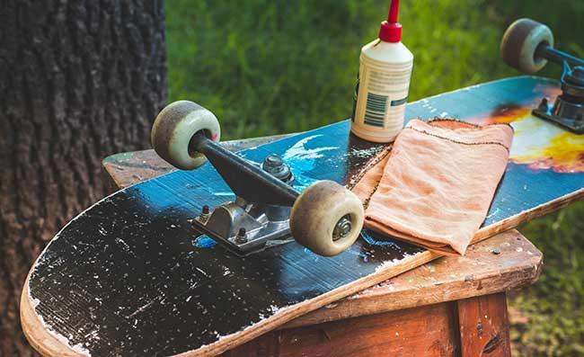 why do skateboard wheels turn yellow